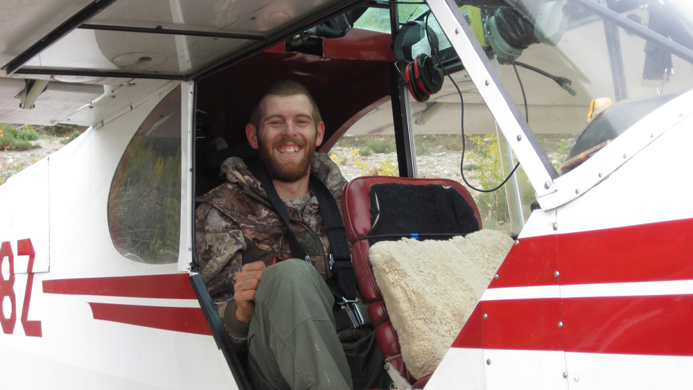 Hunter in Bushplane